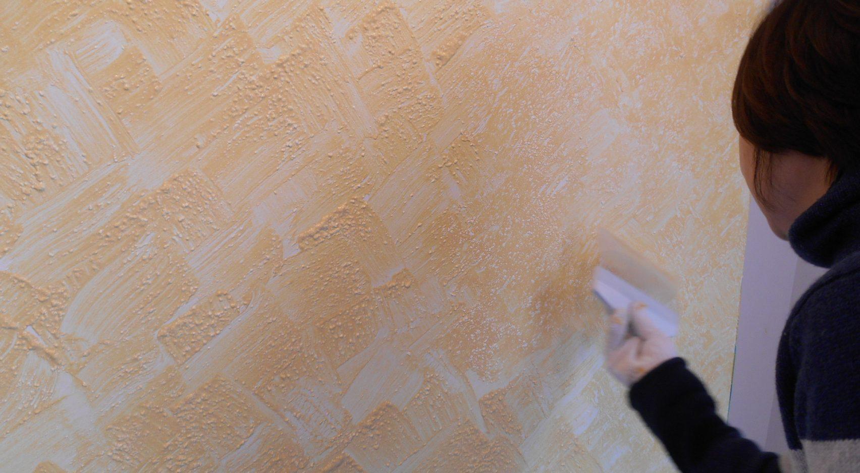 写真: 展示商品の暖かさ・爽やかさを引き立てるデザイン例【埼玉県川越市 ブティック「ローザ・ロッサ」】