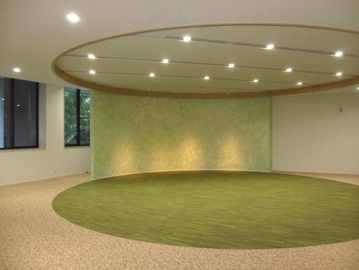 自然の陽光・明るさを表現するデザイン例【国立音楽大学附属図書館、東京都立川市】